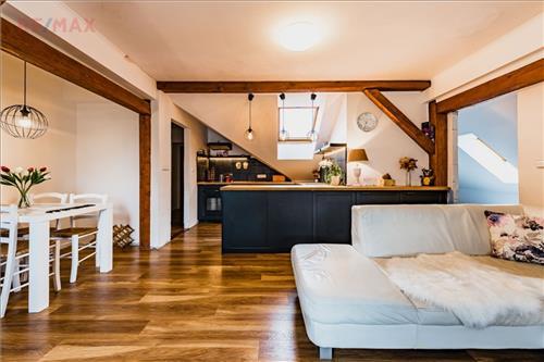 Podkrovní byt 4+kk  Sezimovo Ústí